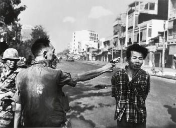 General Nguyen Ngoc Loan executing Viet Cong prisoner Nguyen Van Lem, Saigon by Eddie Adams ...